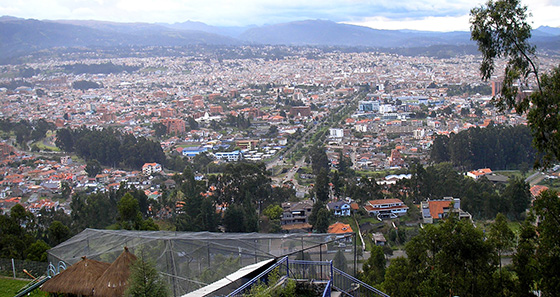 Un mirador avec vue sur Cuenca, en Équateur