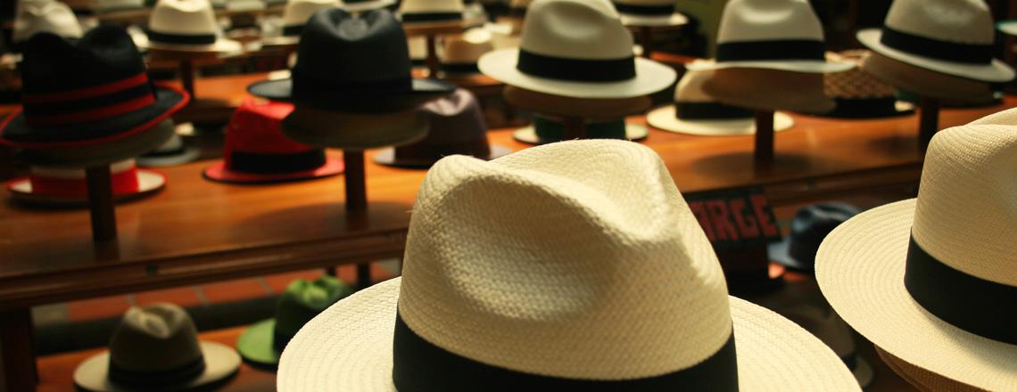 Des chapeaux de Panama au Musée du chapeau Straw Toquilla à Cuenta, en Équateur